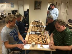 Jan Magnus Olaisen mot Bengt Magnusson endte med seier til Bengt etter et underholdende parti